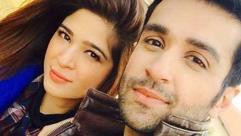 Ayesha Omar, Azfar Rehman injured in car accident