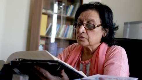 Poet Fahmida Riaz nominated for Kamal-e-Fun Award