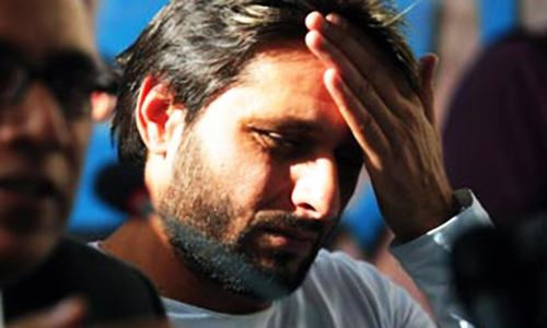 Fan saves the day after Afridi is unable to pay for meal at Auckland airport