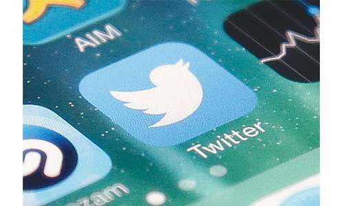 Major outage hits Twitter around globe