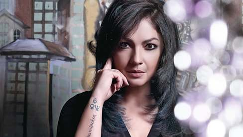 Pooja Bhatt returns to acting to break taboo surrounding women's alcoholism