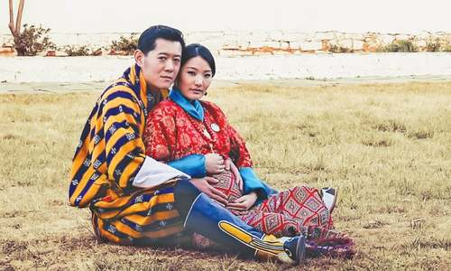 Bhutan's queen gives birth to heir