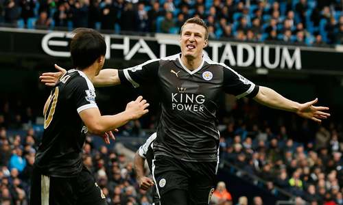 Leicester stun Man City to go six points clear