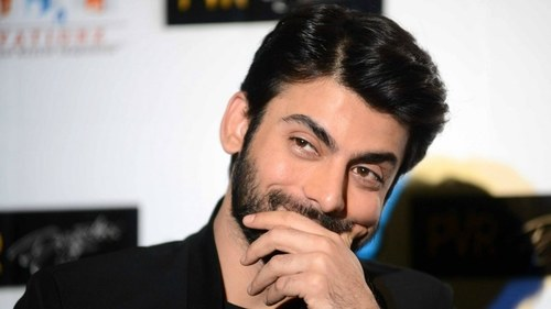 Fawad busts a move to 'Larki Beautiful' and it's adorable