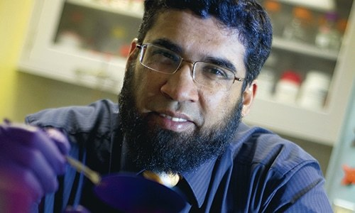 Pakistani scientist develops device to enable early cancer detection