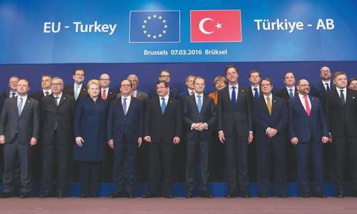 Turkey raises stakes with EU  on curbing migrant wave