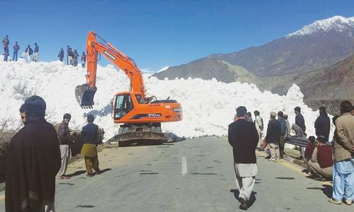 Avalanches bring life to halt in GB, block road