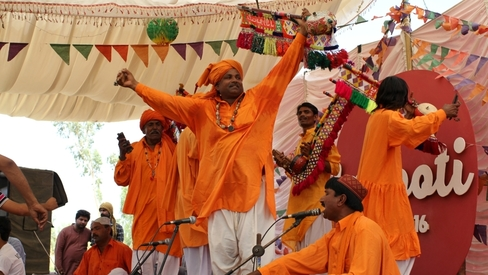 What happens when Karachi goes to Hyderabad for a Sufi music festival?