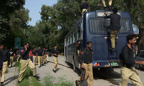 Police, Rangers mount operation against criminals in south Punjab