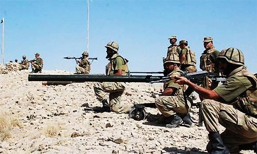 Heavy exchange of fire with Rajanpur bandits after army deadline expires