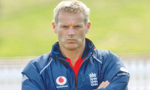 Ex-England coach Moores turns down Pakistan offer