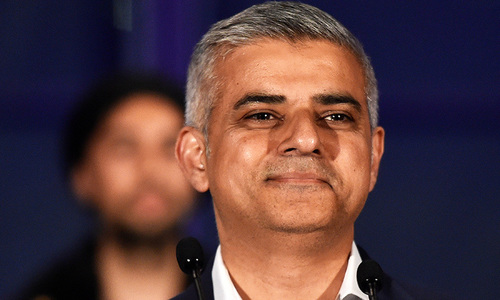 Sadiq Khan becomes first Muslim mayor of London