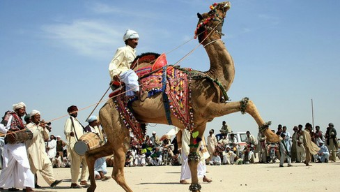 Two-day Cholistan festival kicks off at Alhamra