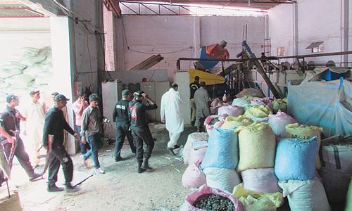 Five labourers die after inhaling toxic gases in Korangi factory