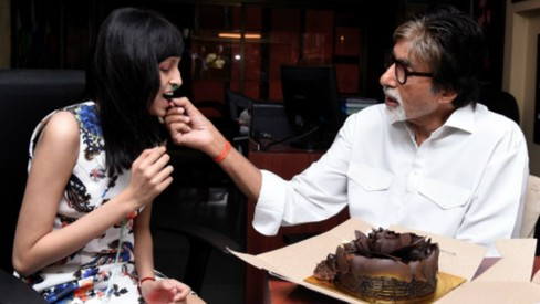 Amitabh Bachan helps a young fan suffering from cancer celebrate her birthday