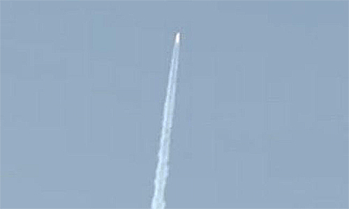 India's budget mini space shuttle blasts off
