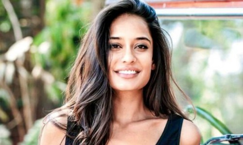 A feminist reads Lisa Haydon's treatise on feminism for the first time. Here's what happens