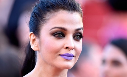 Aishwarya wanted to be talked about, says Sonam Kapoor about her purple lips
