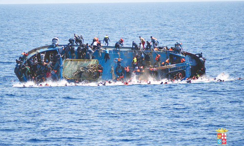 Seven migrants dead, 500 rescued in shipwreck  off Libya