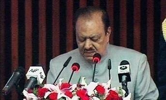 essay on democracy in pakistan in urdu