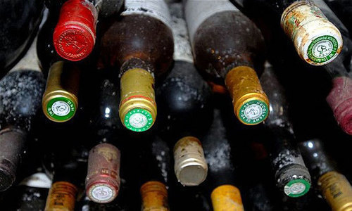 Two Hindus among three shot dead in attack on wine shop