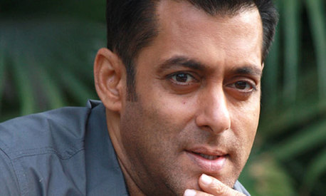 Salman Khan ordered to apologise for 'raped woman' comment