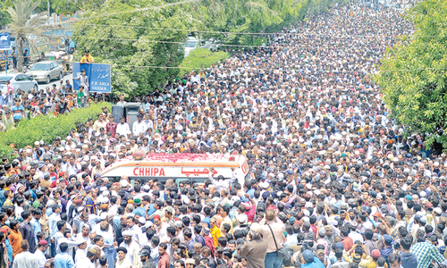 Thousands attend Sabri's funeral