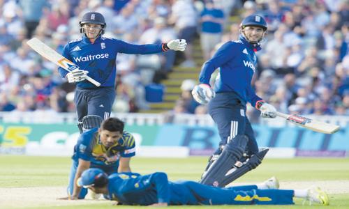 Roy, Hales' blistering tons help England flatten Sri Lanka
