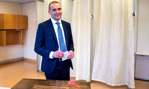 Iceland set to elect history professor as president