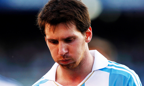 Maradona, Argentine president and fans beg Messi not to quit