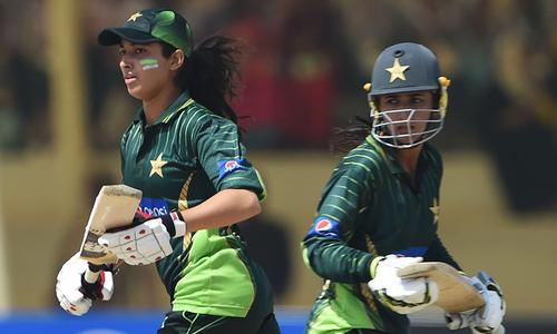 Beaumont leads whitewash of Pakistan women