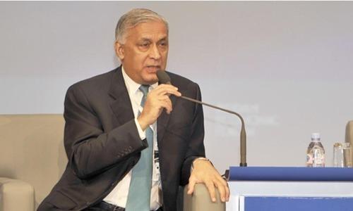 'Pakistan, India should seek international mediation on Kashmir'