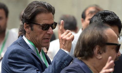 Imran links Karachi woes to political  interference in police affairs