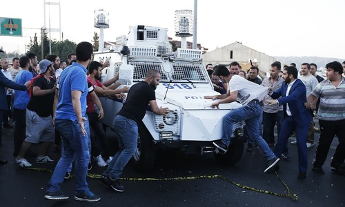 Protests and bloodshed in coup-hit Istanbul: 'Brothers should not spill blood'