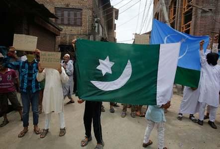 کشمیر میں مسلسل 14 ویں روز کرفیو