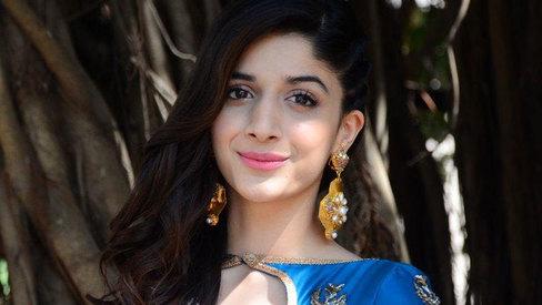 I want to take up something like 'Umrao Jaan', says Mawra Hocane