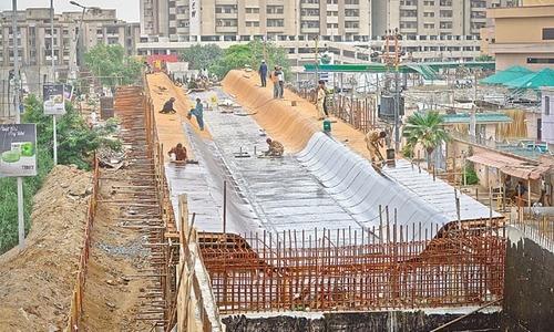 ریپڈ ٹرانزٹ بس سسٹم، کراچی کے شہری اذیت میں؟