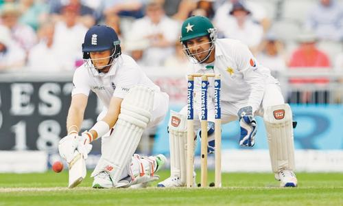 Pakistan face tall order after Root strikes double century