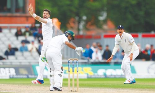 England rout Pakistan to level series as Stokes limps off