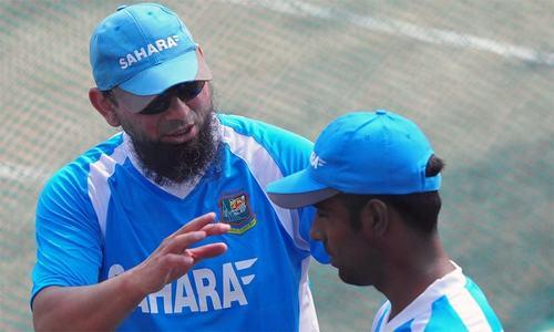 Bayliss wants to rehire Saqlain for India, Bangladesh tours