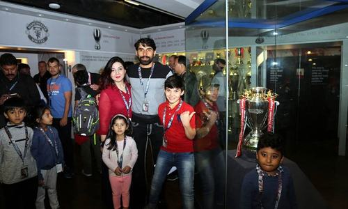 Pakistani cricket stars take families on Manchester United's home tour