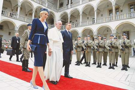 Pope Francis says 'world at war', but religion not cause