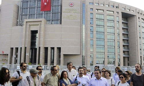 Turkey orders 47 newspaper journalists, executives detained