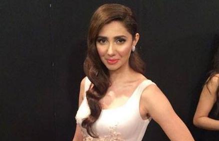 Mahira, Diyar-e-Dil win out at Lux Style Awards 2016