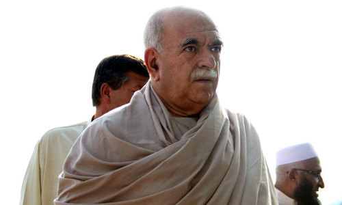 PM should sack officers of intelligence agencies if they fail to trace Quetta attack perpetrators: Achakzai
