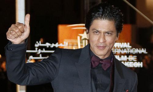 شاہ رخ خان کیلئے 'پشاوری چپل' کا تحفہ