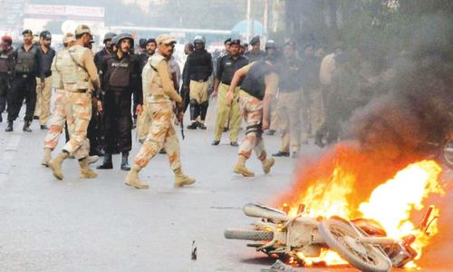 Media houses attacked, vehicles set on fire after Altaf's vitriolic speech