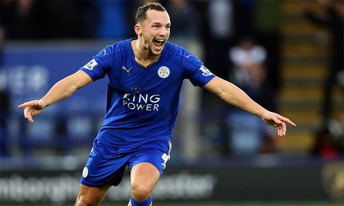Drinkwater signs new deal with Leicester