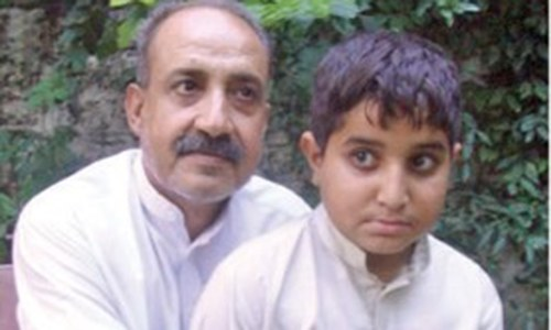 Noted Pashto singer wants his ailing son treated abroad