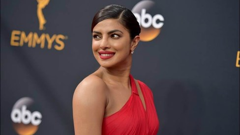Did you know? A gorgeous Priyanka presented an Emmy with Tom Hiddleston last night